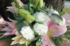 Liels liliju pušķis - balts, rozā, sudrabs