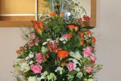 Koša ziedu kopozīcija