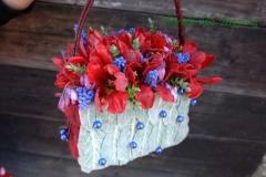Koša ziedu somiņa - sarkans, rozā, violets