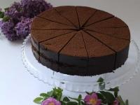 Šokolādes biskvīta torte