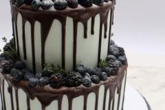 Šokolādes torte ar rumu un ķiršiem