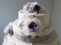 Kāzu torte ar cukura mežģīnēm, cukura ziediem