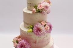 Naked cake ar dzīvajiem ziediem