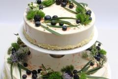 Kāzu torte ar zaļumiem