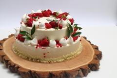 Maskarpones- aveņu kāzu kūka