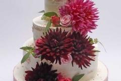 Kāzu torte ar rudens ziediem - dālijām
