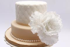 Kāzu torte ar cukura masas pārklājumu un cukura peoniju