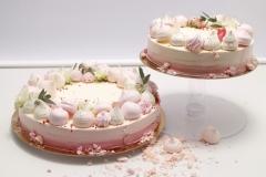 Maskarpones - aveņu kāzu torte ar kraukšķi