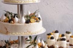Kāzu kūciņas. Maskarpones- aveņu kāzu tortes un mini kūciņas. Musa kūkas kāzām.