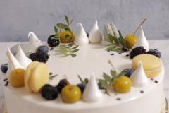 Kāzu torte. Musa kāzu torte. Torte ar avenēm. Viegla, vasaras torte. Kāzu torte ar āboliem. Zaļa kāzu torte.