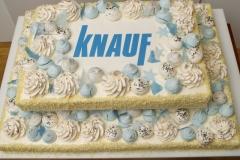 Divstāvu korporatīvā torte maskarpones - aveņu ar kraukšķi