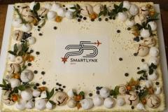 Maskarpones - aveņu korporatīvā torte