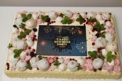 Korporatīvā torte ar LOGO un bezē dekoru