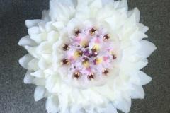 Glamēlija - neparasts līgavas pušķis kā viens zieds. Balts, rozā, orhidejas