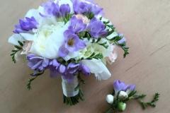 Peoniju līgavas pušķis - balts, violets, šampanieša krāsa