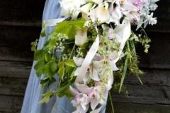 Liels, nokarens, līgavas pušķis vecrozā toņos - peonijas, orhidejas, kallas