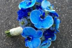 Zils līgavas pušķis - orhidejas, rozes, klasiska forma