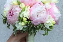 Maigs līgavas pušķis - rozā, balts, peonijas, frēzijas