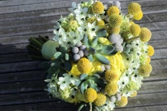 Neparasts līgavas pušķis no sukulentiem - balts, pelēks, dzeltens, zils, zaļš