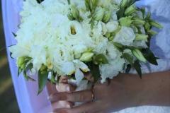Balts, dabiska izskata, spurains līgavas pušķis no lizantēm