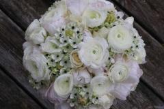 Pavasarīgs līgavas pušķis - balts, maigi rozā, pasteļtoņi, tulpes, ranunkulis