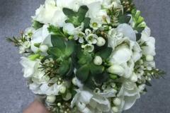 Balts līgavas pušķis ar sukulentiem