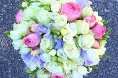 Romantisks līgavas pušķis - balts, rozā, violets
