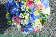 Klasisks līgavas pušķis - gaiši zils, rozā, balts