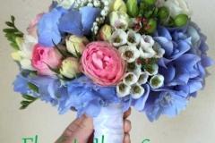 Smalks līgavas pušķis - hortenzijas, rozes, frēzijas, grezni ziediņi
