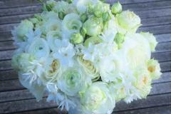 Klasiski balts līgavas pušķis