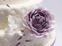 Kāzu tortei cukura masa , violeti cukura ziedi