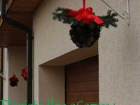 Ziemassvētku mājas ārpuses dekors - zaļš, sarkans