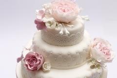 Kāzu torte ar cukura angļu rozēm