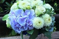 Viesu galda dekors kāzām - balts, gaiši zils, zils