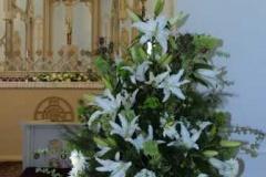 Kāzu puķes - baltas lilijas. Bulduru baznīca