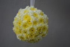 Saulaina ziedu bumba - apsveikuma pušķis