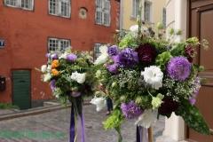 Zaļumu un ziedu bumbas