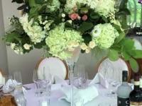Hortenzijas, zaļumi - kompozīcija martini glāzē