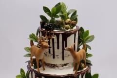 Kāzu torte ar stirniņām. Meža tēma. Šokolādes kāzu torte.