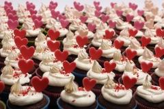 Valentīndienas sirsniņas uz kapkeikiem