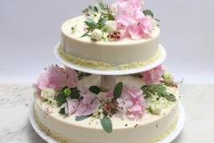 Kāzu torte. Musa kūka. Torte ar dzīvajiem ziediem