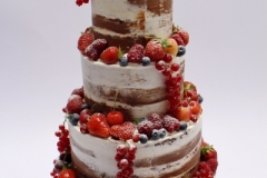 """""""naked cake"""" - šokolādes torte ar ogu dekoru"""