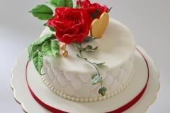 Šokolādes tortei cukura masas pārklājums, cukura ziedi