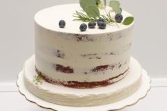 Kāzu torte Red- velvet ar eikaliptu dekoru