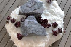 Sniega dekors, akmeņu sveces
